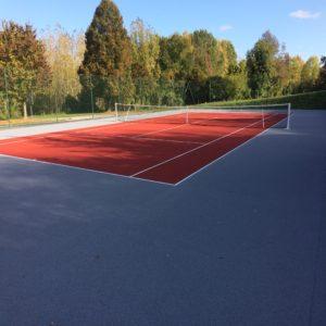 Terrain de tennis à Candes Saint Martin